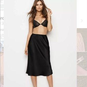 New Victoria's Secret Satin Slip Midi Skirt Large